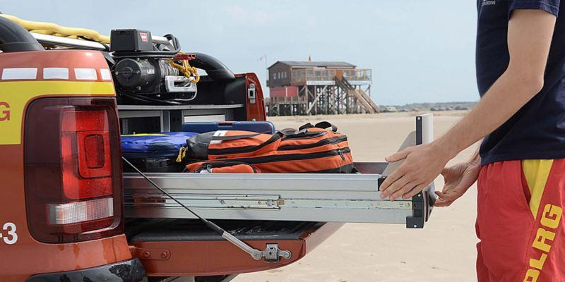Smart lastning av livräddarutrustning på Volkswagen Amarok