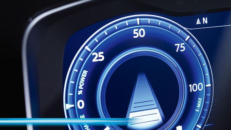Un indicateur de vitesse numérique en gros plan.