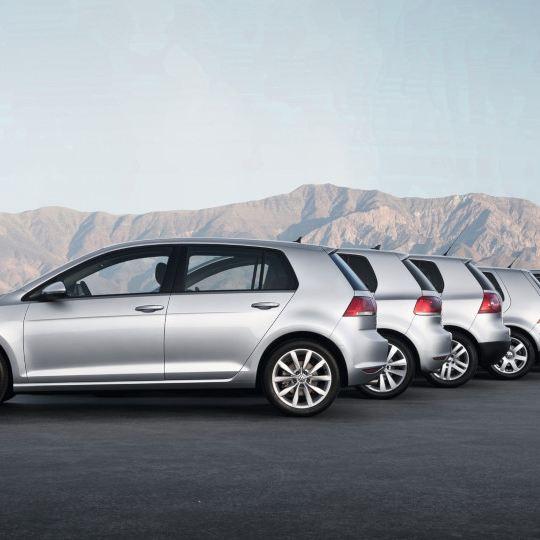 45. urodziny Golfa – 29 marca 1974 roku Volkswagen rozpoczął produkcję najpopularniejszego auta w Europie