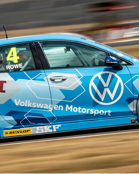 Dream debut for new Golf 8 GTI with two victories at Red Star Raceway