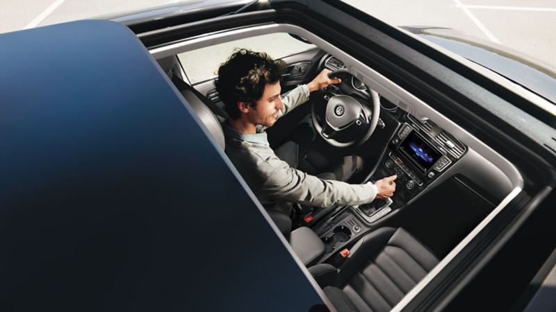 Panoramic roof shown from above in the Golf