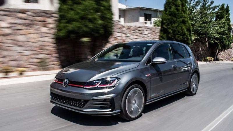 Golf GTI VW equipado con Motor TSI que ofrece un mejor rendimiento de gasolina y sostenibilidad
