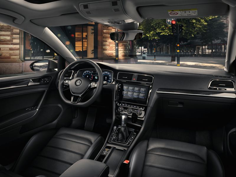 The new Volkswagen Golf interior overview.