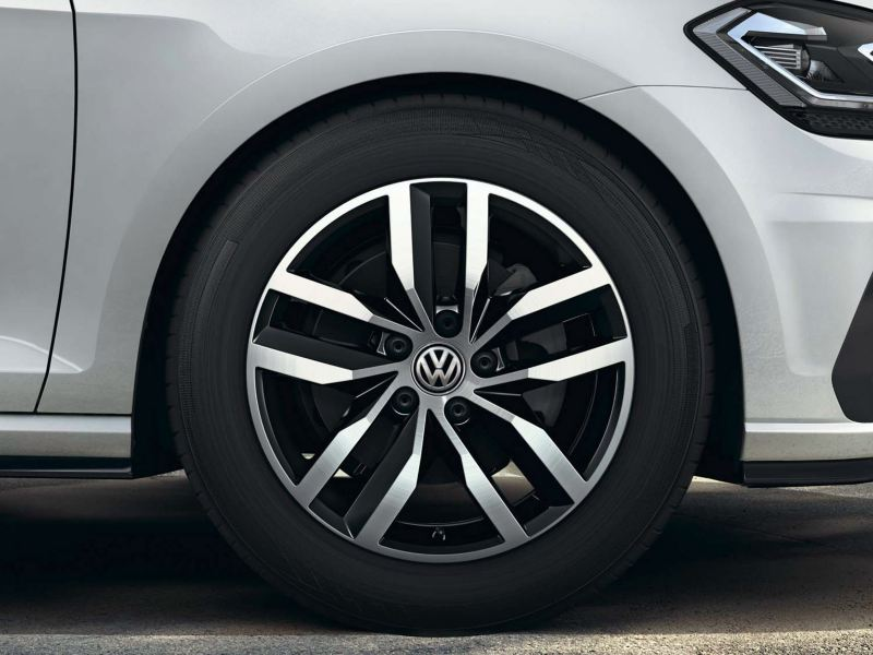 The Volkswagen Golf's Madrid alloy wheels