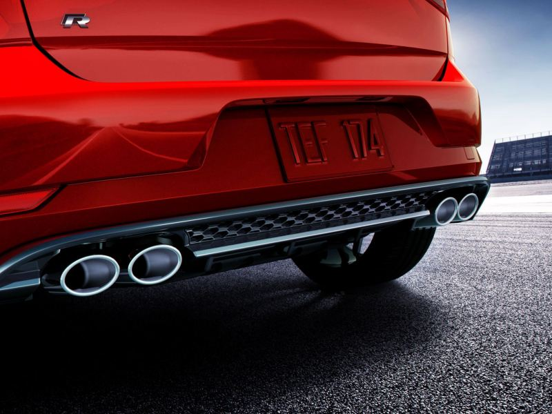 Dual exhaust system on the Golf R