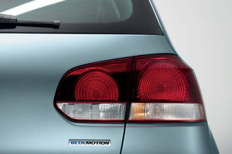 Rear brake-light shot of a blue Volkswagen Golf S.