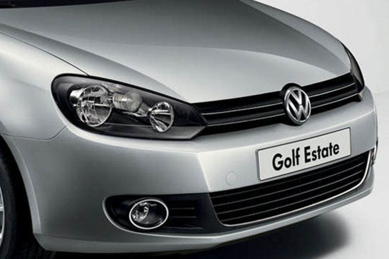 Front grill and badge shot of a silver Volkswagen Golf Estate.
