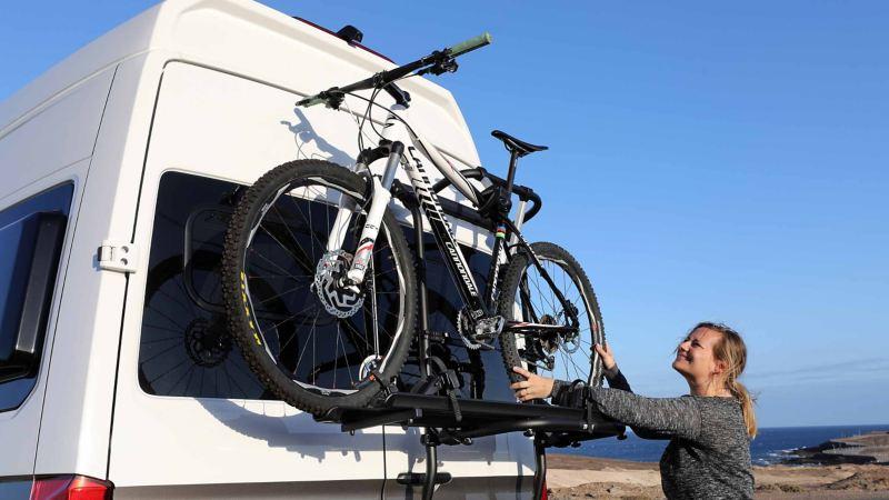 Praktiskt cykelställ till Volkswagen Grand California husbil