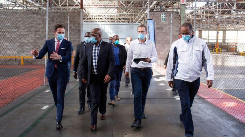 Equipo de Grupo Volkswagen trabajando en colaboración y apoyo durante contingencia por Coronavirus