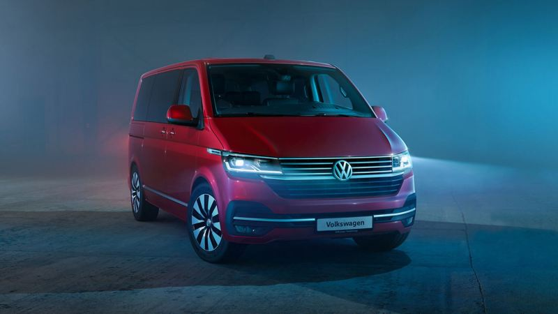 VW T6.1  in dark studio