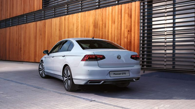 Passat GTE parked stationary