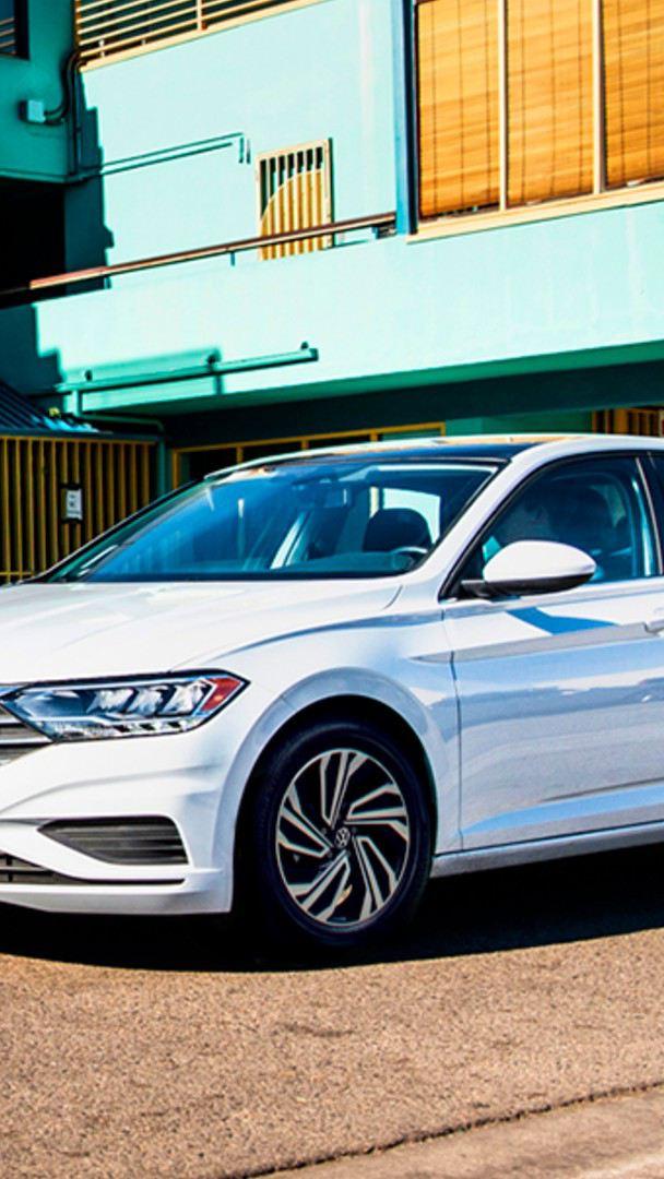 Jetta de Volkswagen, el auto sedán equipado con transmisión Tiptronic para mejor conducción