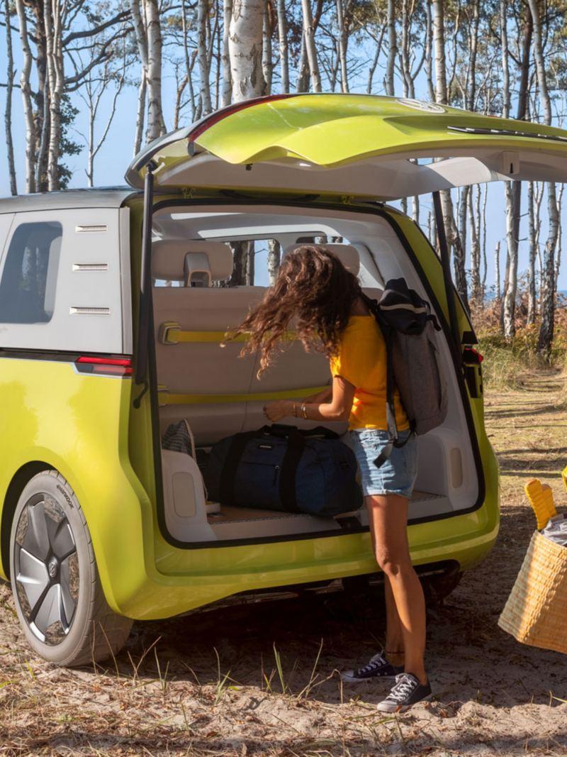 vw Volkswagen ID. Buzz stor elbil elektrisk personbil familiebil bagasjerom bagasjeromsplass bagasje bilferie biltur bobil