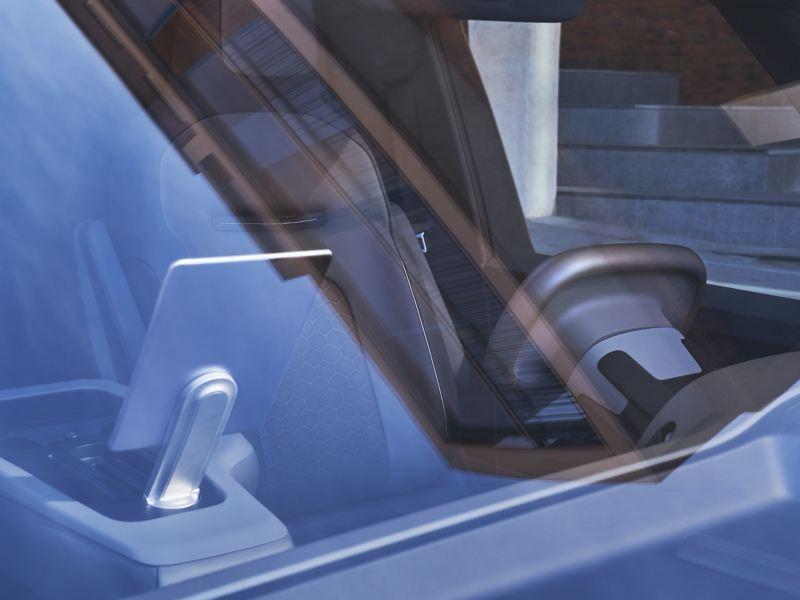 Die Fahrerseite des Volkswagen ID. Buzz Cargo durch die Windschutzscheibe fotografiert.