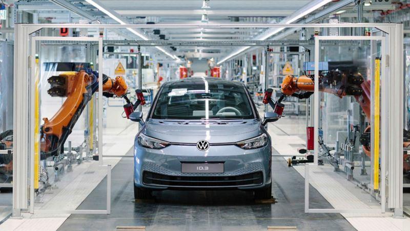ID.3, auto eléctrico en proceso de ensamblado en planta de Volkswagen