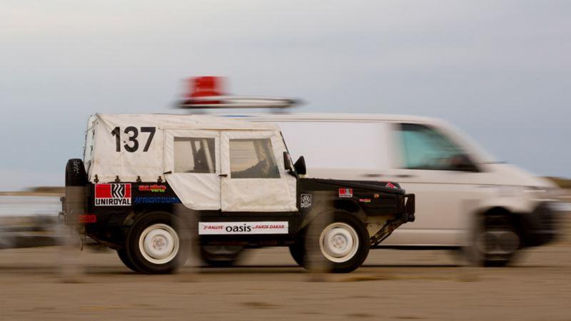 Iltis tävlar mot VW Transporter