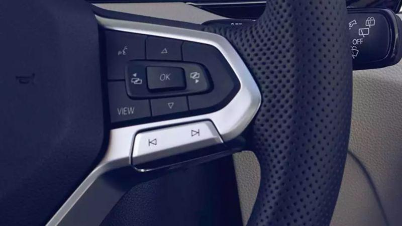 Intérieur de VW Passat, commandes au volant