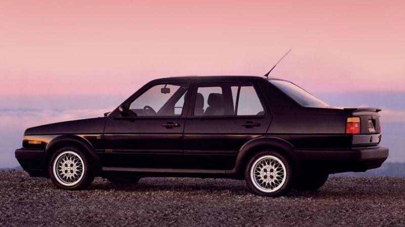 Jetta Carat, el automóvil clásico de Volkswagen en color negro