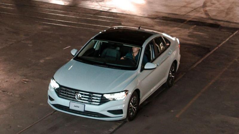Comprar auto Jetta de Volkswagen disponible en planes de financiamiento de Volkswagen Financial Services