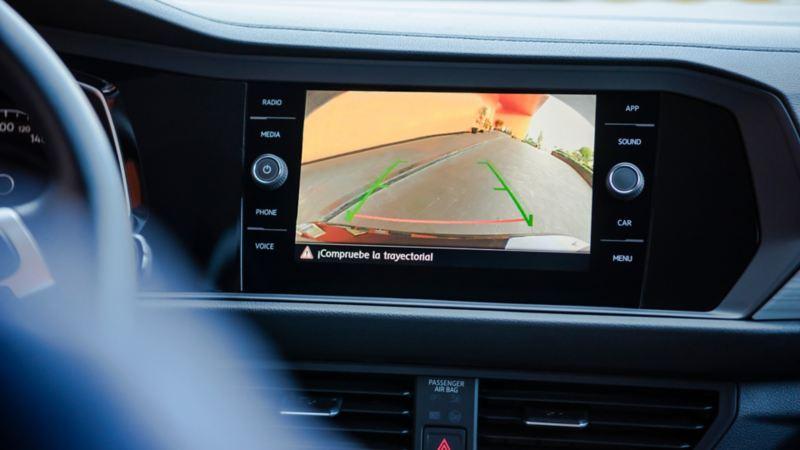 Pantalla de Volkswagen App-Connect presente en tablero de Jetta Wolfsburg Edition