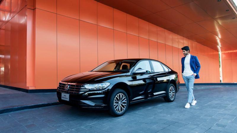 Carro deportivo Jetta Wolfsburg Edition de Volkswagen equipado con tecnología y seguridad, disponible en Consecionarios VW