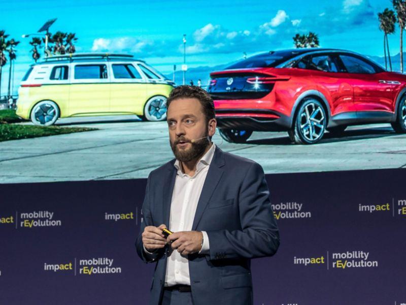 """Wystąpienie Łukasza Zadwornego podczas """"Impact mobility rEVolution 2019"""" w Katowicach (video)"""
