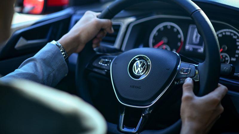 Volante multifunciones de nuevo Virtus de Volkswagen