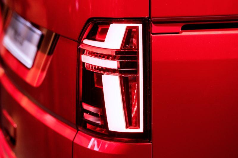 Volkswagen Utilitaires Multivan 6.1 rouge feu arrière