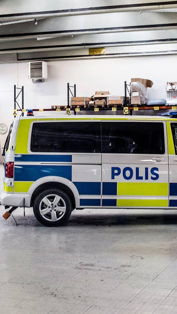 Volkswagen Multivan monteras till att bli en fulländad polisbil