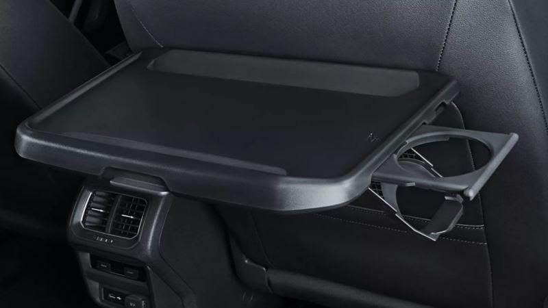 Mesa plegable presente en autos y SUV Volkswagen.