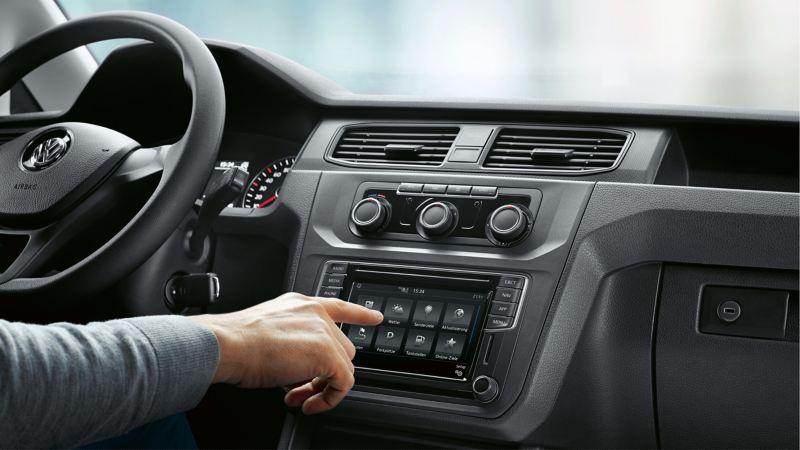 Car-Net versorgt den Fahrer mit wichtigen Infos direkt im Dashboard.