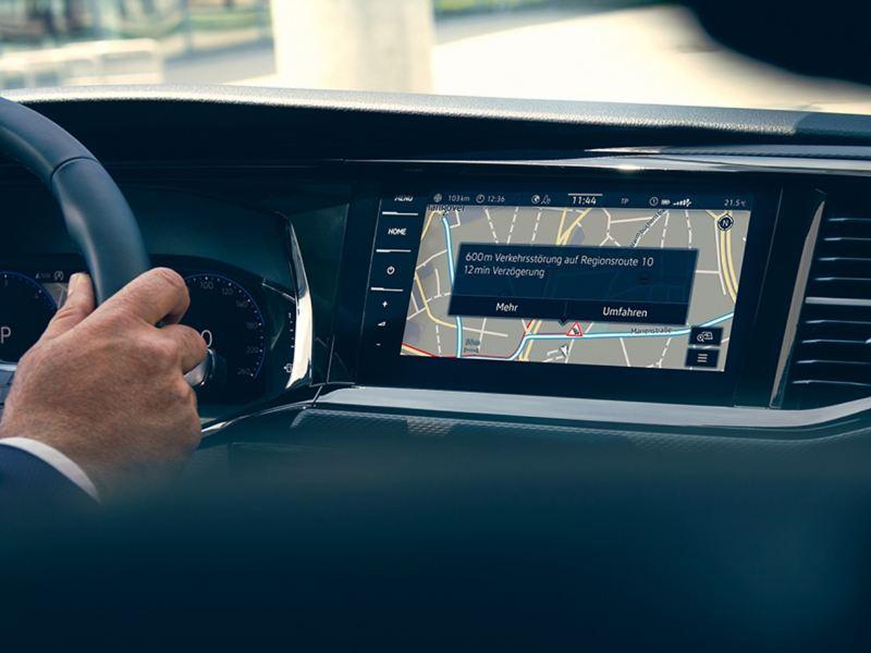 Die Anzeigen eines Navigationssystems.