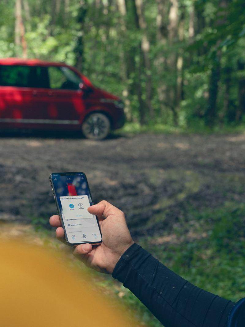 Votre smartphone est connecté à votre véhicule utilitaire Volkswagen grâce à We Connect.
