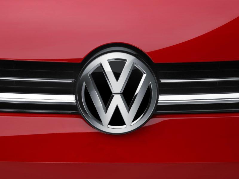 Molduras cromadas presentes en Golf 2020 de Volkswagen México