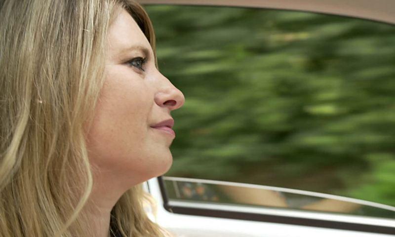 Claire Ewert aime conduire sa e-up! nerveuse