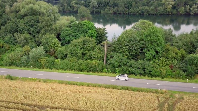 e-up! a conduzir no campo