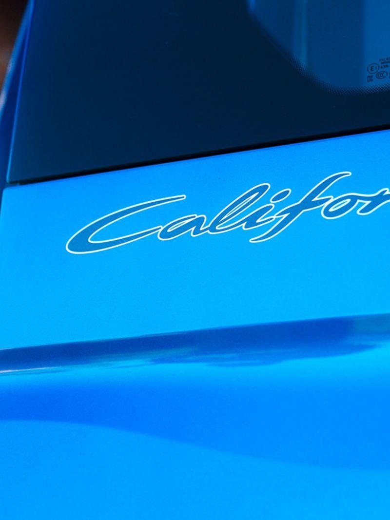 Gros plan du monogramme California.