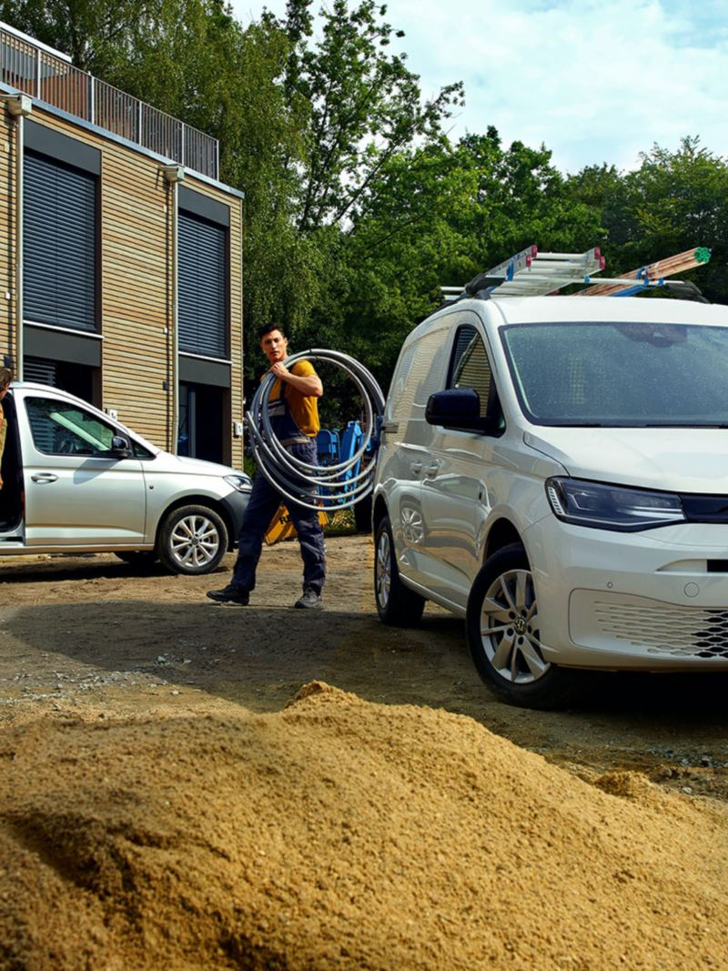 La nouvelle Volkswagen Caddy Cargo en intervention sur un chantier.