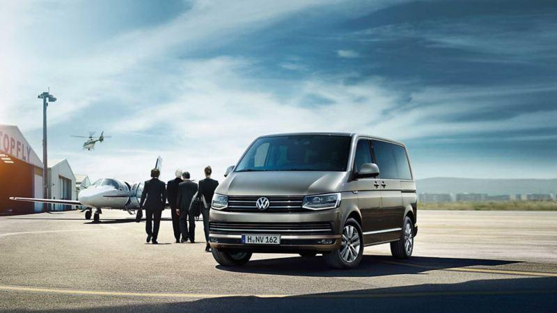 Volkswagen Multivan på flygplats