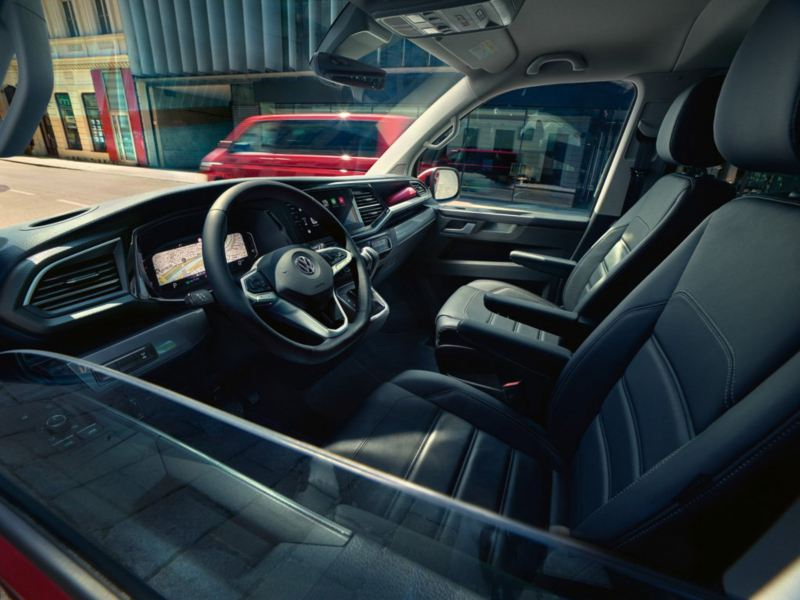 vista de volante y cuadro de mandos volkswagen multivan 6.1