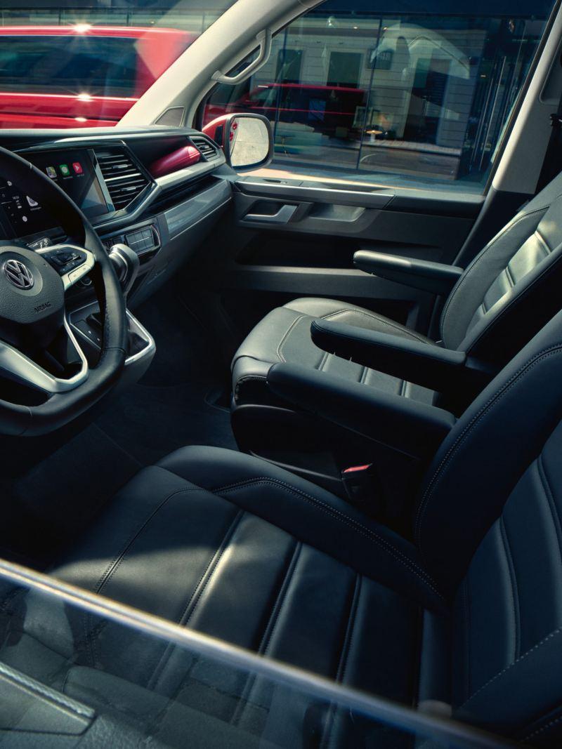Zbliżenie na wnętrze Volkswagen Multivan 6.1.