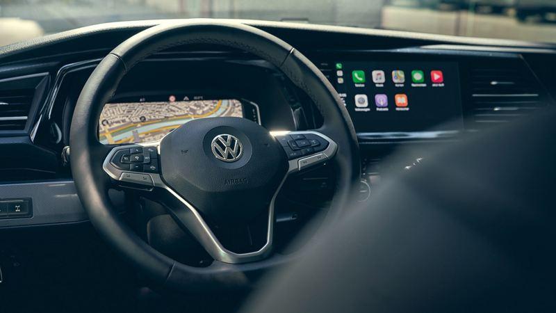 vw Volkswagen Multivan 6.1 Highline 7-seter familiebil minivan maxitaxi persontransport digital cockpit førerhus multifunksjonsratt GPS navigasjon We Connect