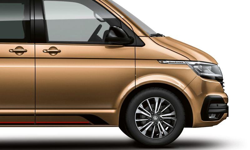 Seitliche Abbildung des Multivan 6.1 in Copper Bronze.