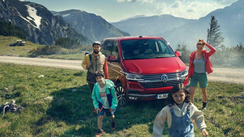vw Volkswagen Multivan familiebil fjelltur fjell haiking familietur flerbruksbil minivan minibuss bobil privatleasing 7-seter 9-seter stor