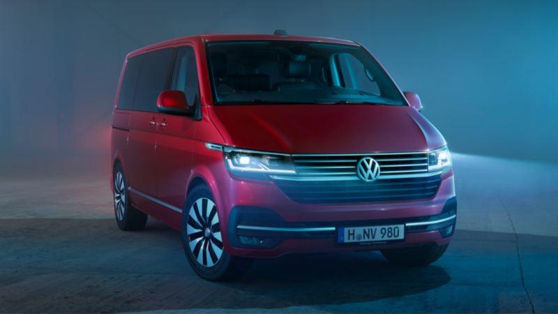 Volkswagen Utilitaires Multivan 6.1 rouge
