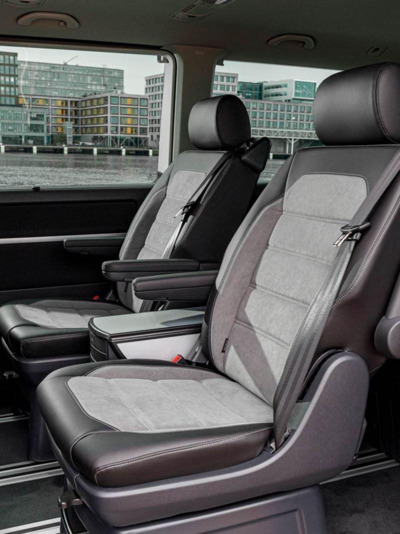 Nya VW Multivan T6.1 erbjuder enkel ommöblering då alla säten är på skenor
