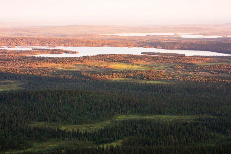 FINSKA LAPPLAND i all sin prakt. Foto: Guillem Casanova