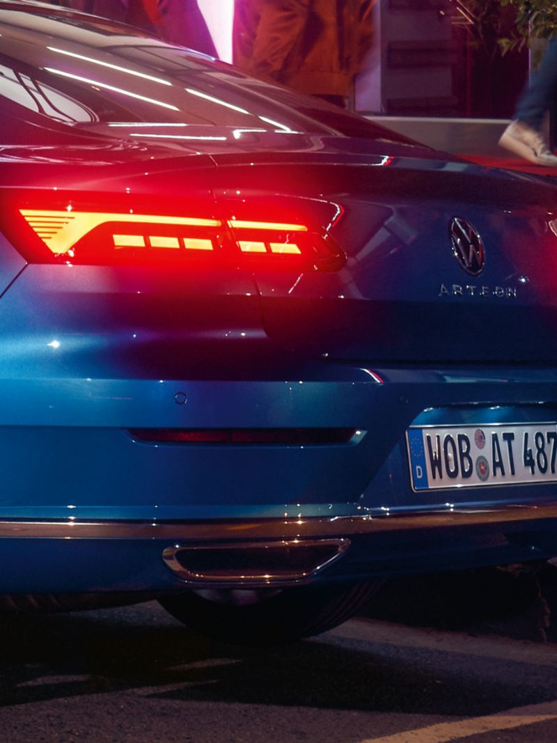 Close up of the tail light clusters dynamic design