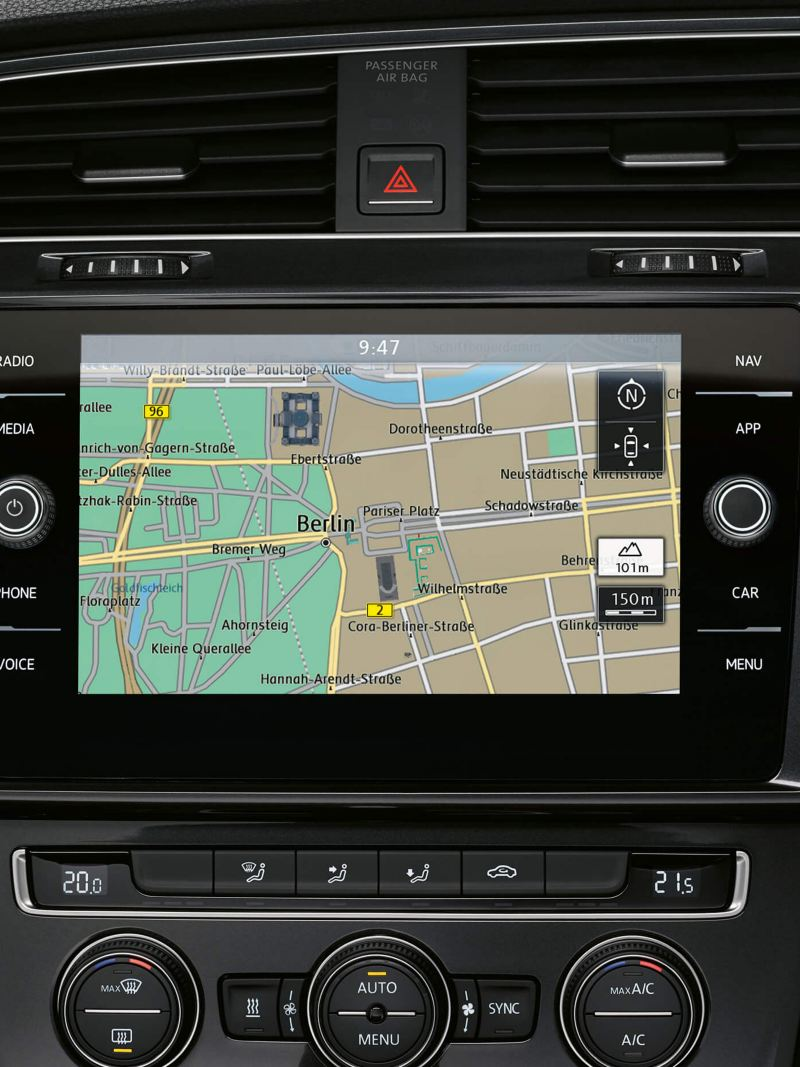 Built-in sat nav, dash board