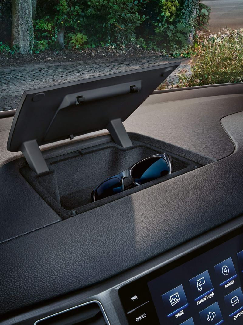 The handy storage compartment on the dash panel, in the Volkswagen Golf SV.